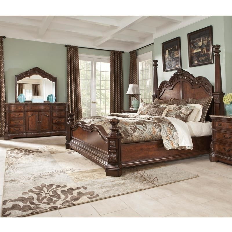 Go Grand In Your Master Bedroom This Traditional Bedroom Set From Ashley Features A Beautiful