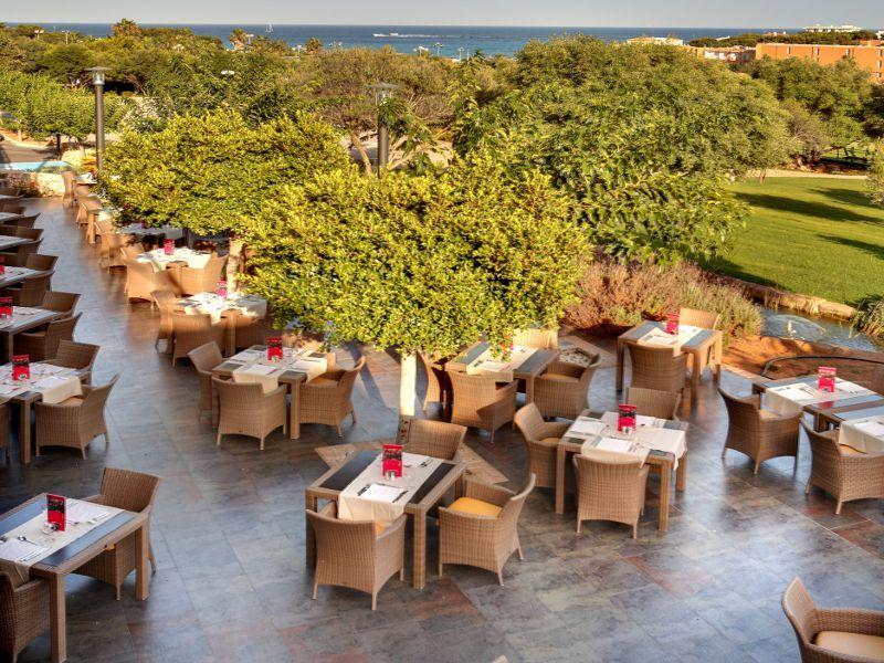 Barceló Pueblo Menorca Minorque Espagne Terraza Table