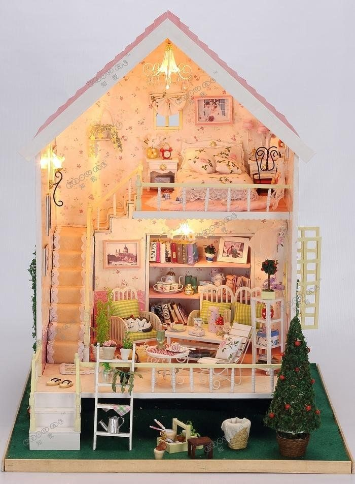 Rylai DIY Transparent Display Box Dust-Proof Cover Dollhouse and Dollhouse Tool Set and 2 Dolls Suit Paris Apartment