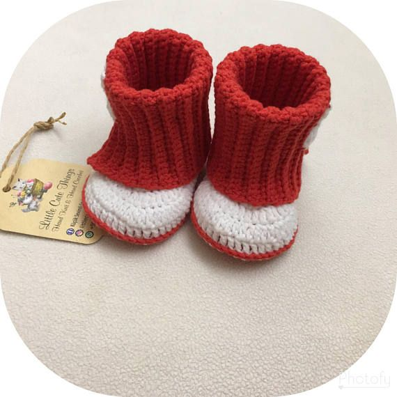 b9365d32b Red and white booties.White star. Knitted baby shoes. Gift for baby and  baby shower. Made from organic cotton Size   3-6 months. Length  approx. 10  cm.