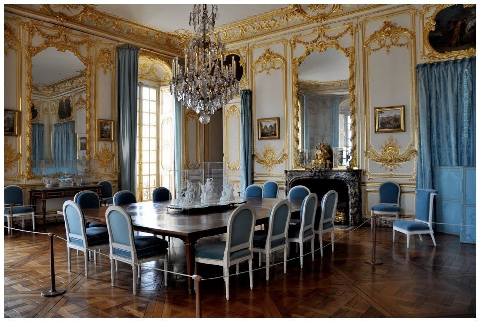 Antique Style Dining Room Furniture | vintage-style-of-versaille ...
