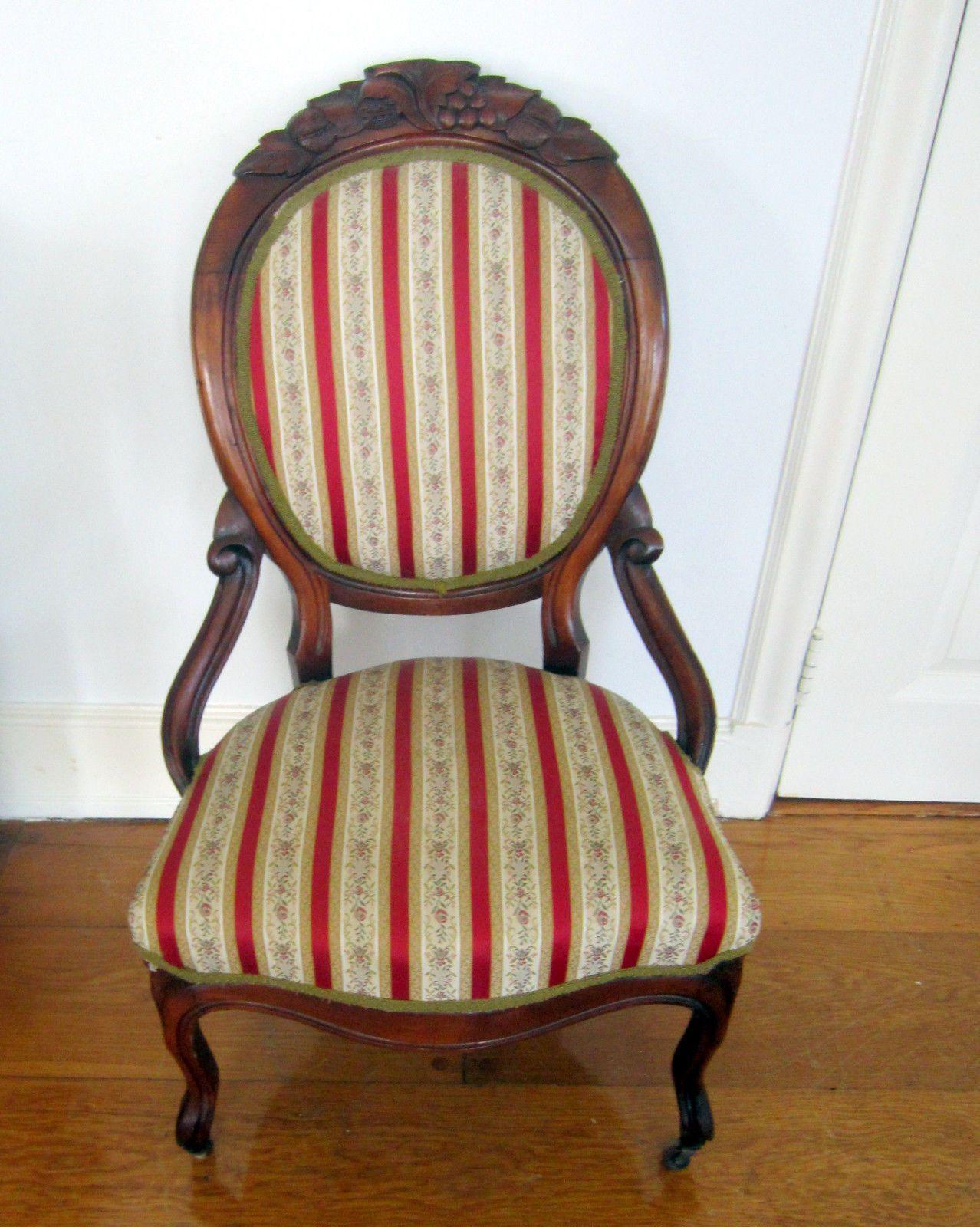 Beautiful victorian upholstered walnut slipper chair