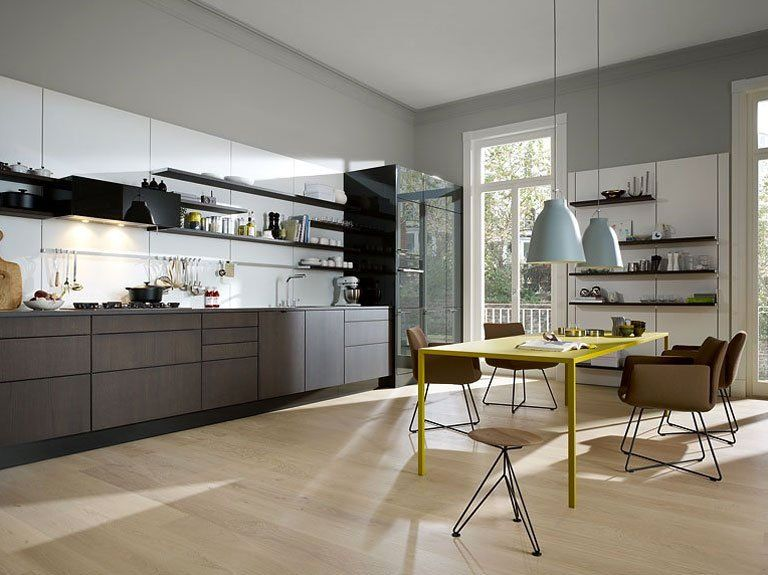 Wandfarben in der Küche: Gar nicht mädchenhaft: rosa Küchenwand ...