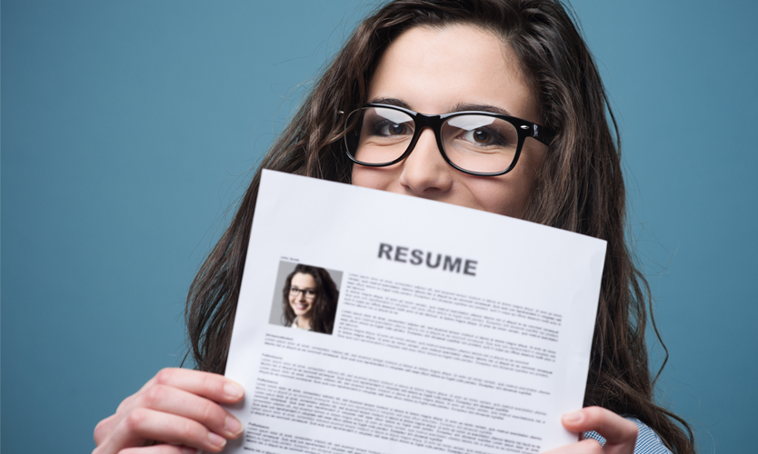 Looking for a job can be stressful already, but looking for a job in a whole new country can be downright overwhelming.  Learn some tips from an immigrant herself on how to prepare yourself for getting a job in the U.S. Just click the pin to read more!