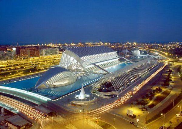 Ciudad De Las Artes Y Ciencias De Santiago Calatrava En Valencia España Ciudad De Las Artes Viajar Por España Valencia España
