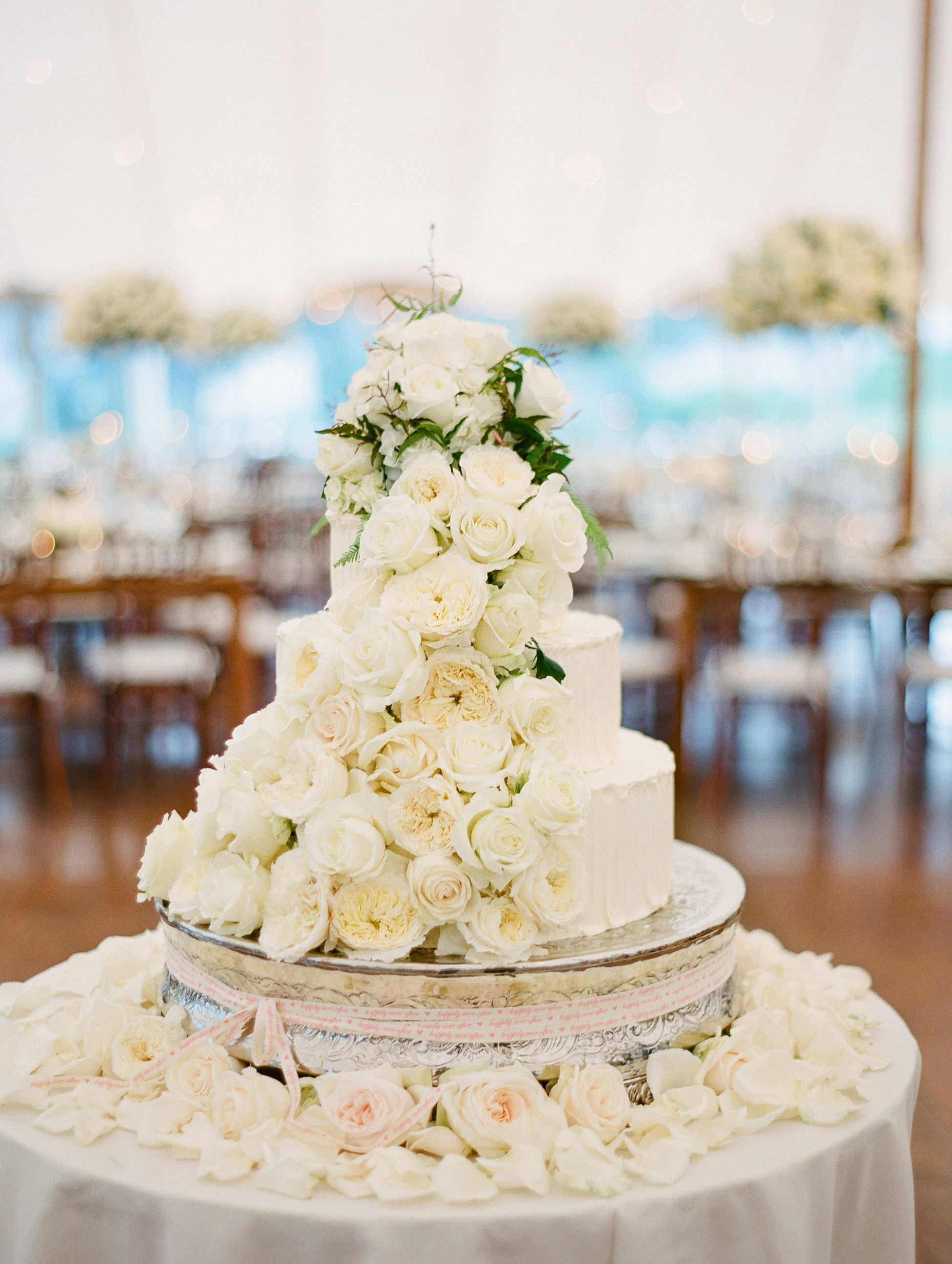 All White Fresh Flower Wedding Cake Wedding Cake Fresh Flowers