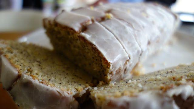 Lemon poppyseed cake –yoghurt makes the sponge so light!