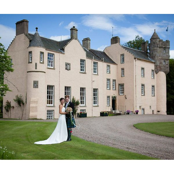 The Ultimate Guide to Castle Wedding Venues: 22 of the ...