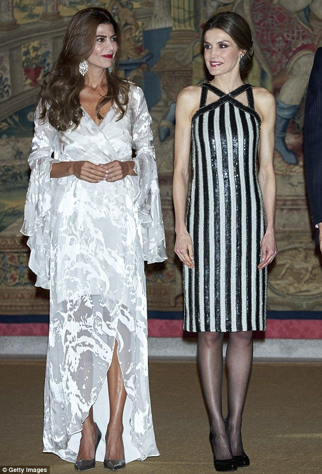 Queen Letizia And Argentina S First Lady Gossip At Dinner Royal Fashion Queen Letizia Fashion
