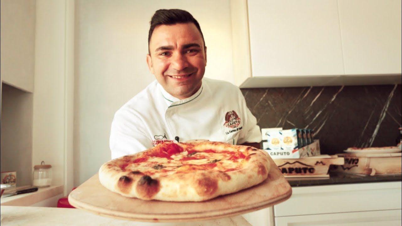 Pizza napoletana fatta in casa: la ricetta di Davide Civitiello