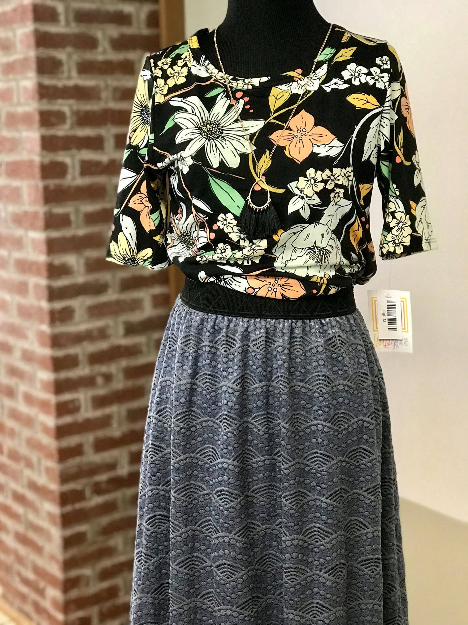 52d528af6298a We all know I love Lola! This is the perfect shade of grey matched with one  of my favorite prints in a Gigi. What a great work outfit .... and let s  not ...