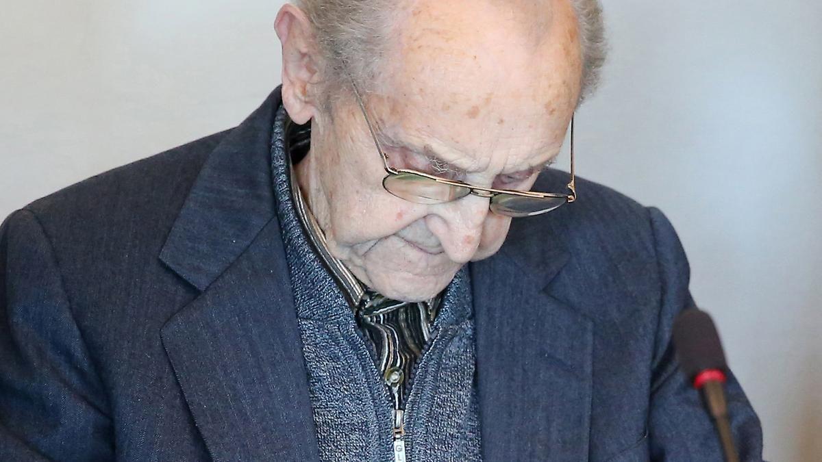 71 Jahre nach Kriegsende: Prozess gegen früheren SS-Sanitäter eröffnet