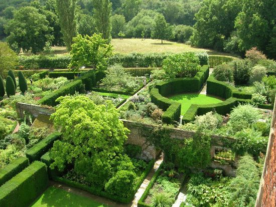 Walled garden uk