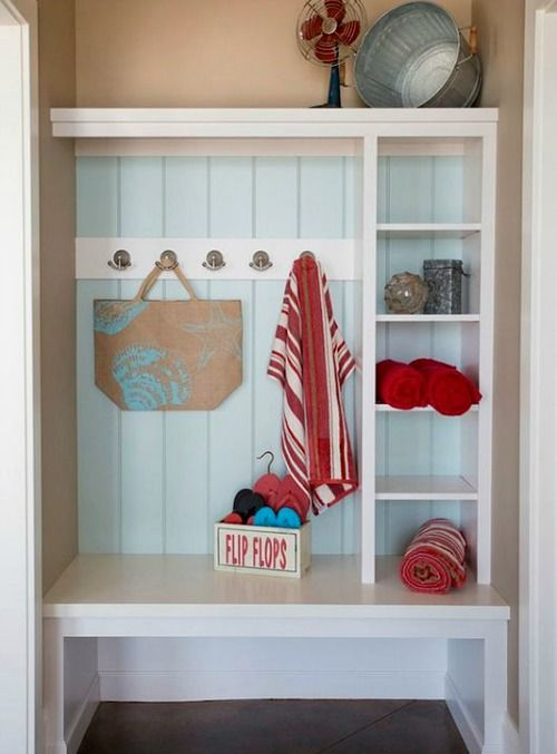 Simple Coastal Entryway Storage Ideas With Benches