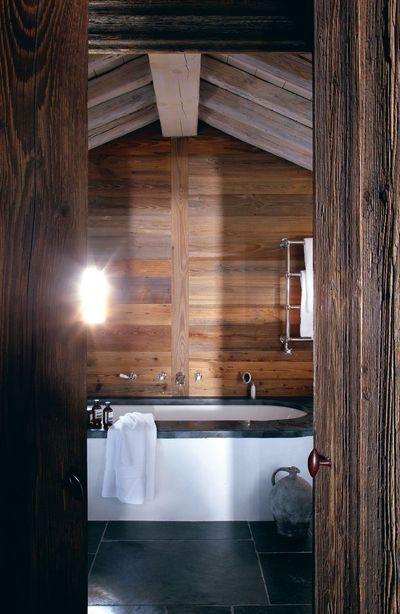 Salle de bains avec poutres  6 photos déco à découvrir Cabin and - deco maison avec poutre
