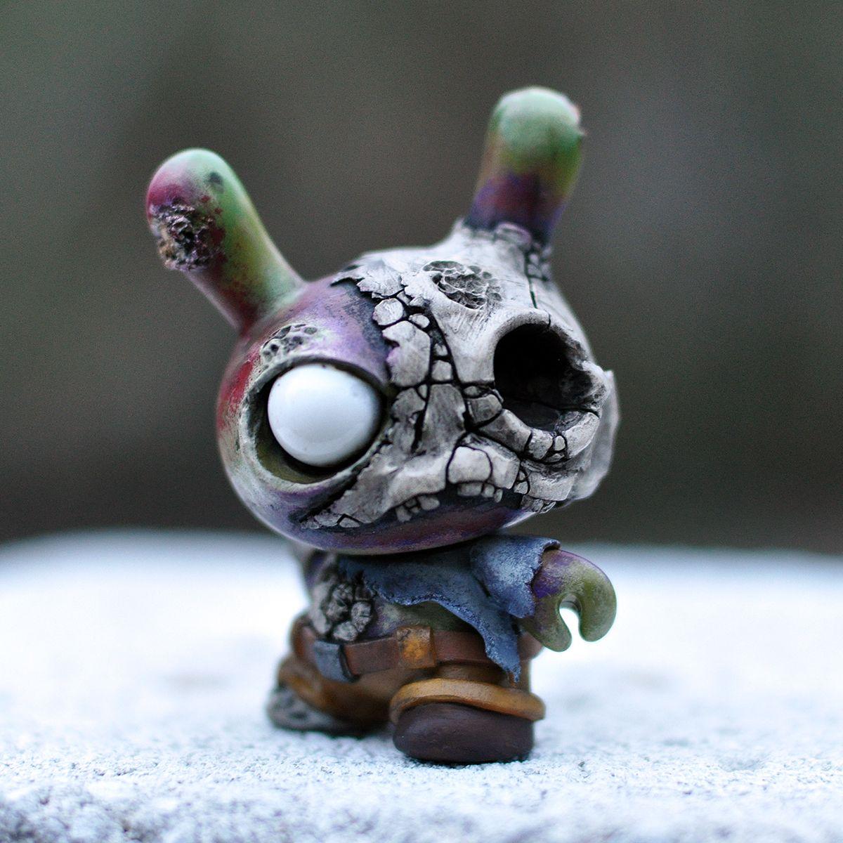 Fosl Zombie Grey Zombiez Series By Komega Vinyl Art Toys Art Toy Clay Projects