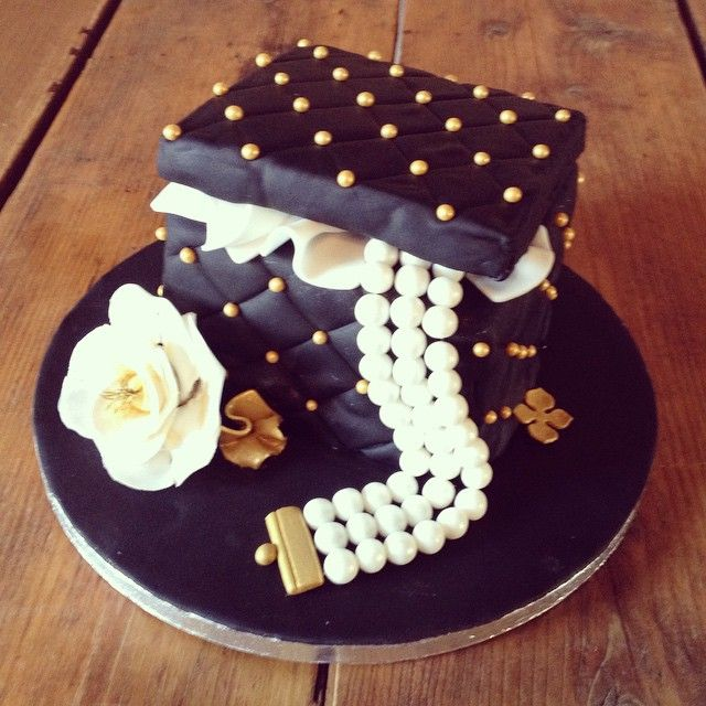 Jewelry Box Cake Cakes In 2019 50th Cake Cake Pastry