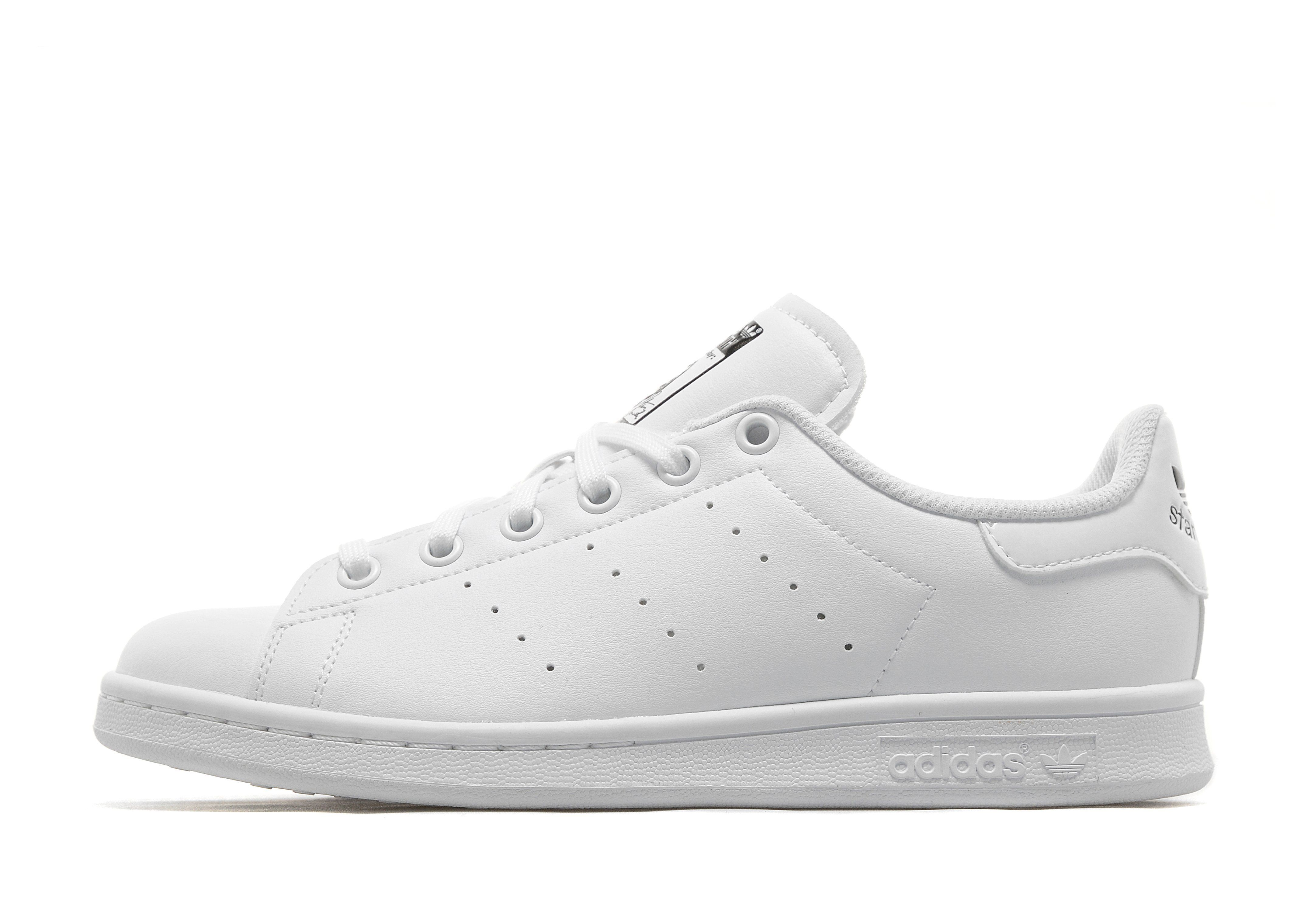 low priced fd4b4 58478 adidas Originals Stan Smith Junior - Shop online for adidas ...