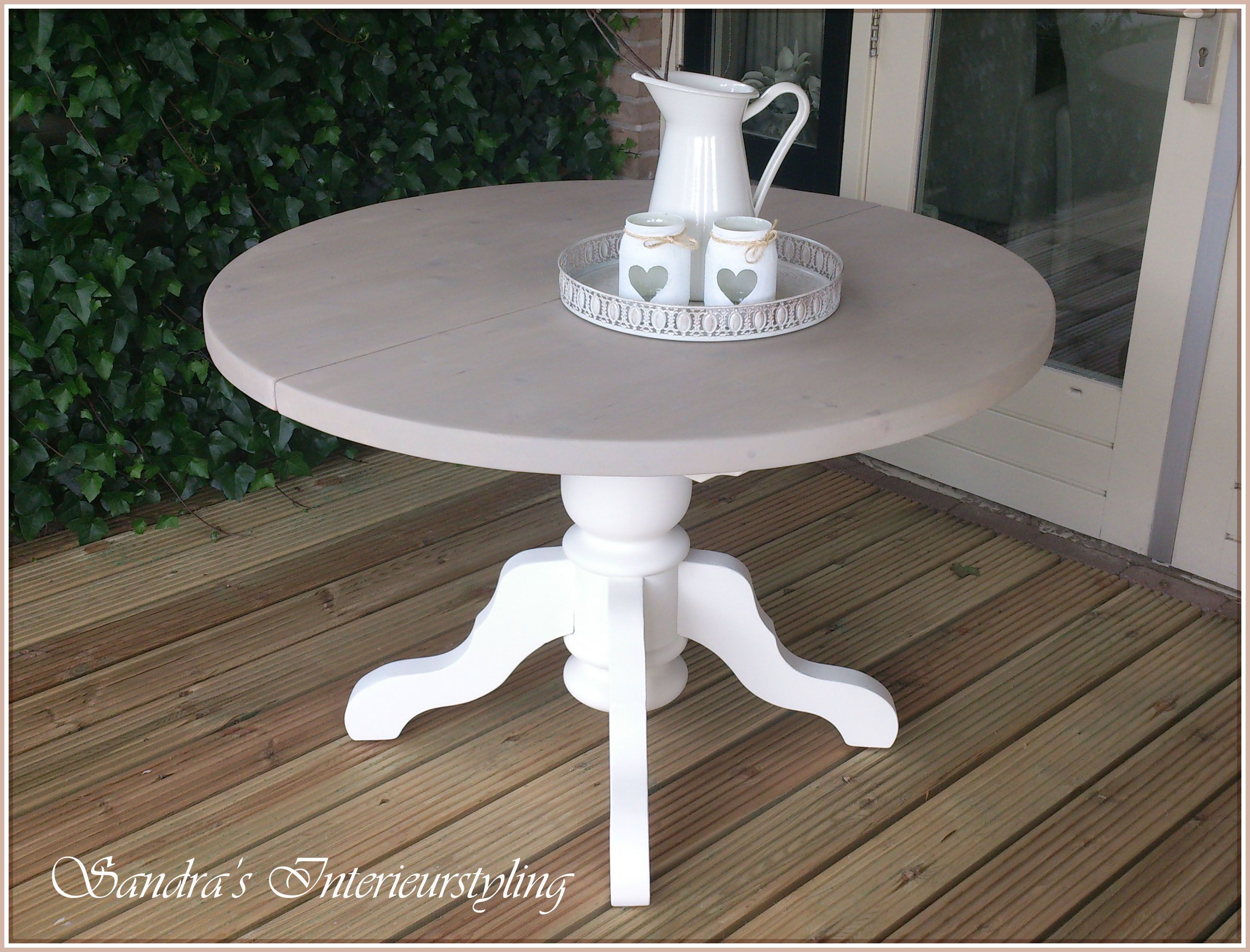 Ronde eetkamer tafel uitschuifbaar rm stijl en erg leuk in een