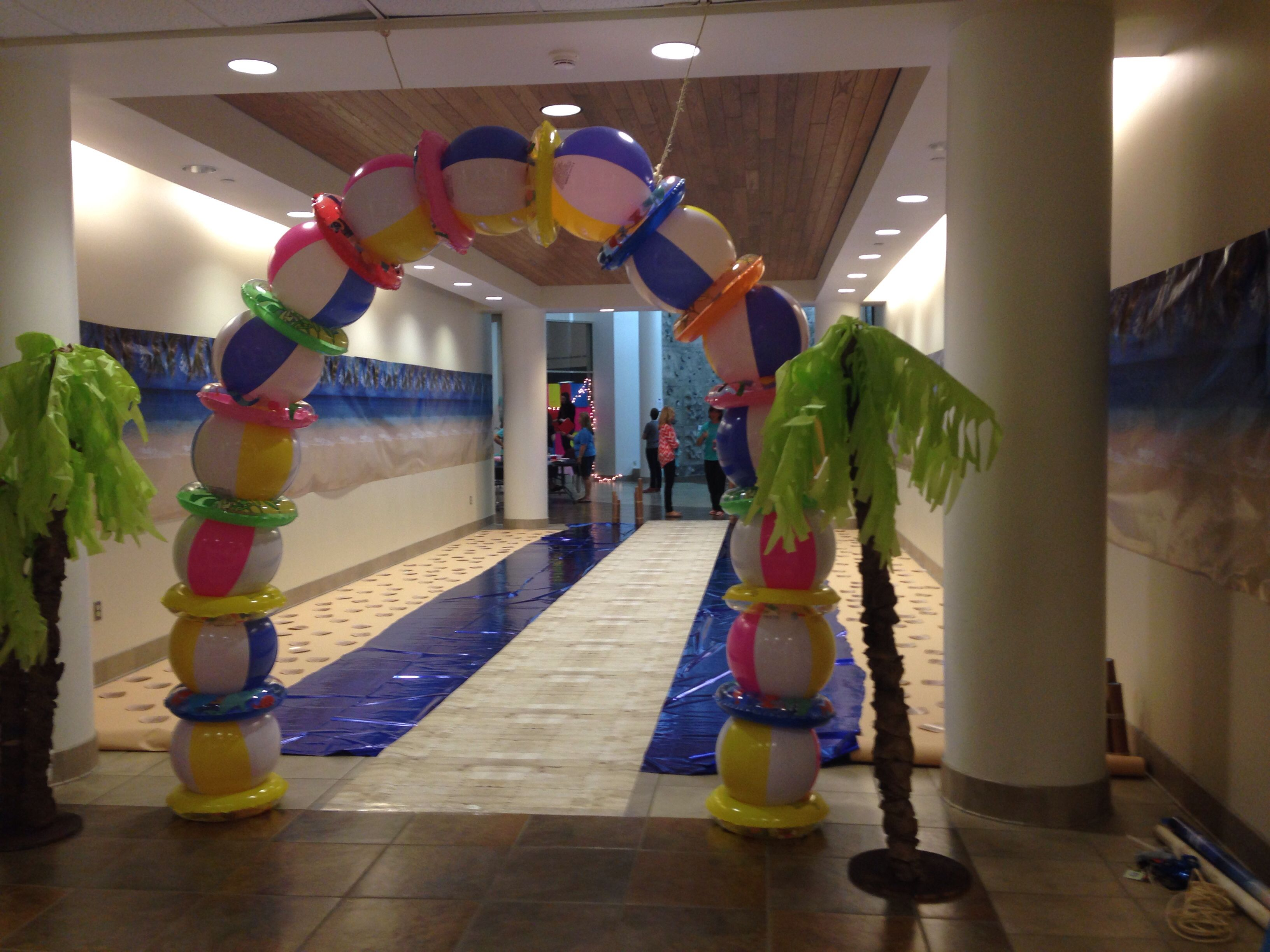 Beach Ball Arch Entrance For After Prom Party Beach Themed Party