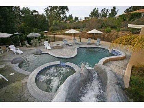 Backyard Water Park | Backyard water parks, Backyard pool ...