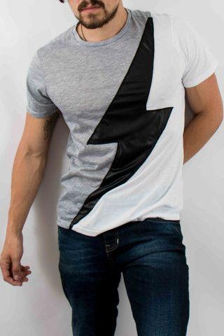 Hombre – www.urbanwear.co Camiseta IAN -Tshirt @diego08gomez - Model @gallegoedison - Photographer