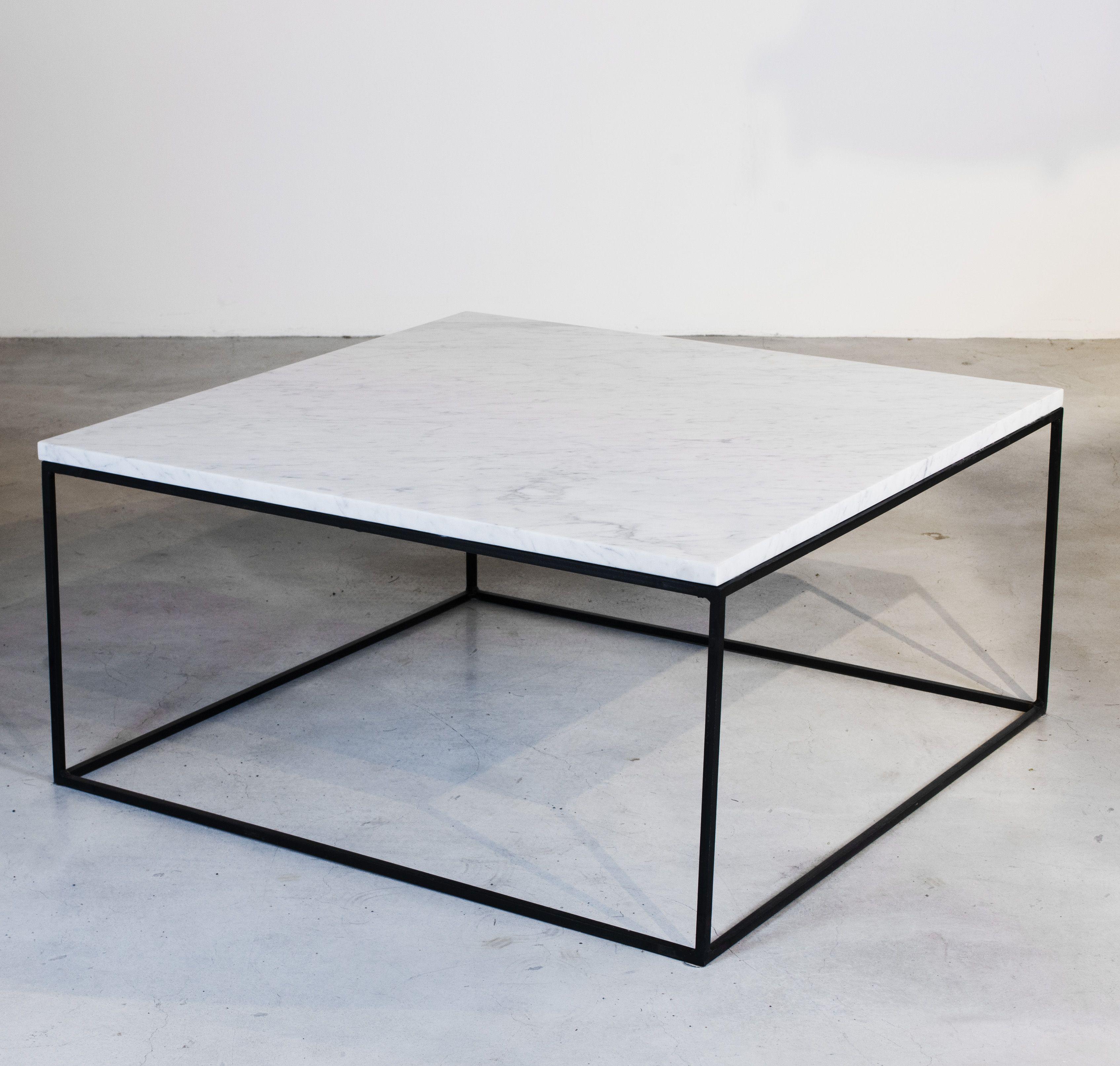 Stone, marmor soffbord i Posh Livings egen serie Bordet finns i flera mått Soffbord