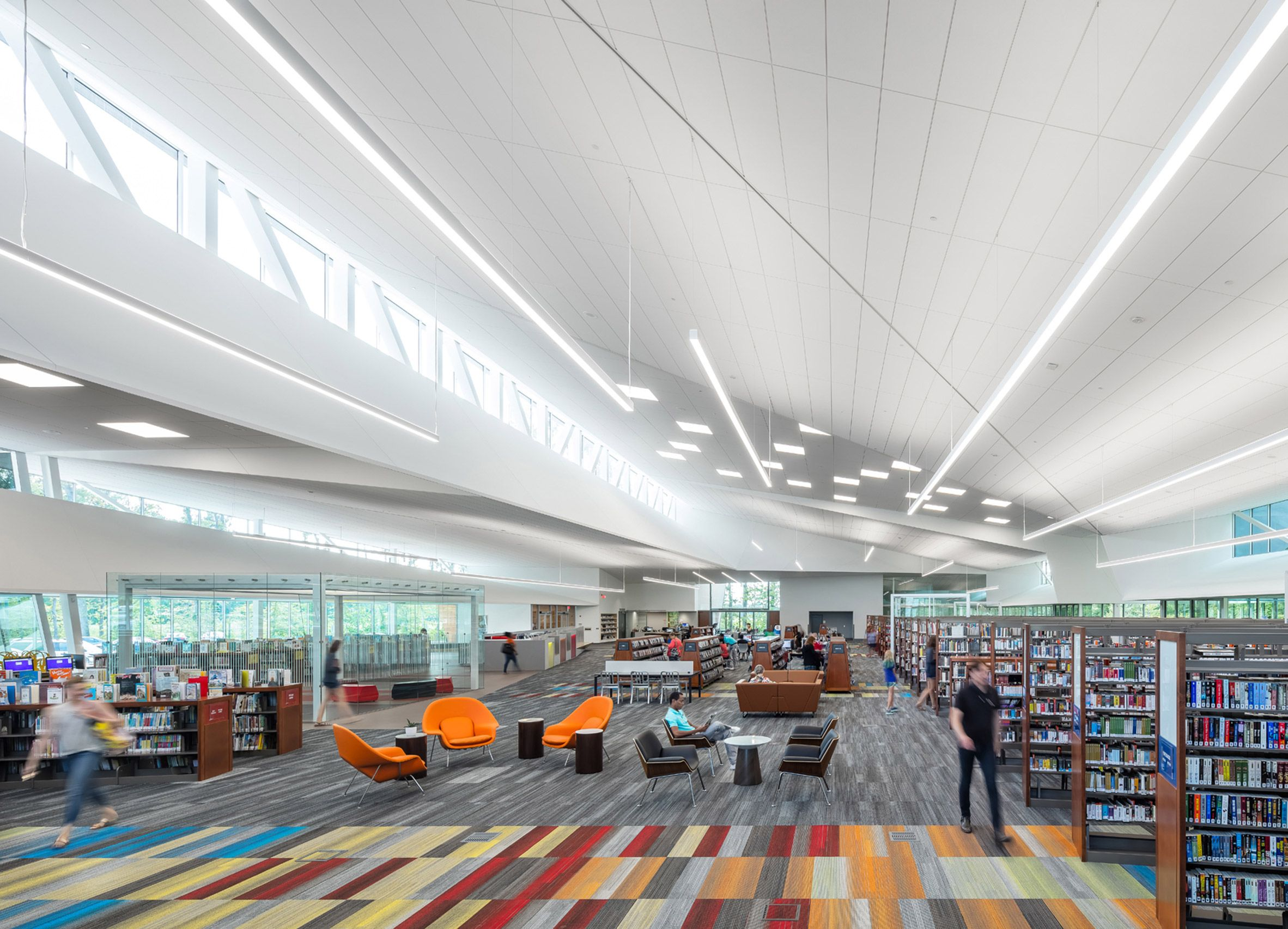 By Delicately Inserting The Building Into A Grove Of Trees The Project Stands Out In A Region Of Kentucky Where Clear Cutti With Images Central Library Architect Library