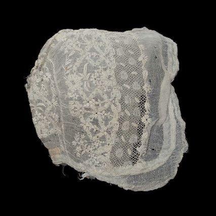 Museum of Fine Arts, Boston: sombrero de bebé de EEUU de 1800-1850 (Inventario: 46.265)