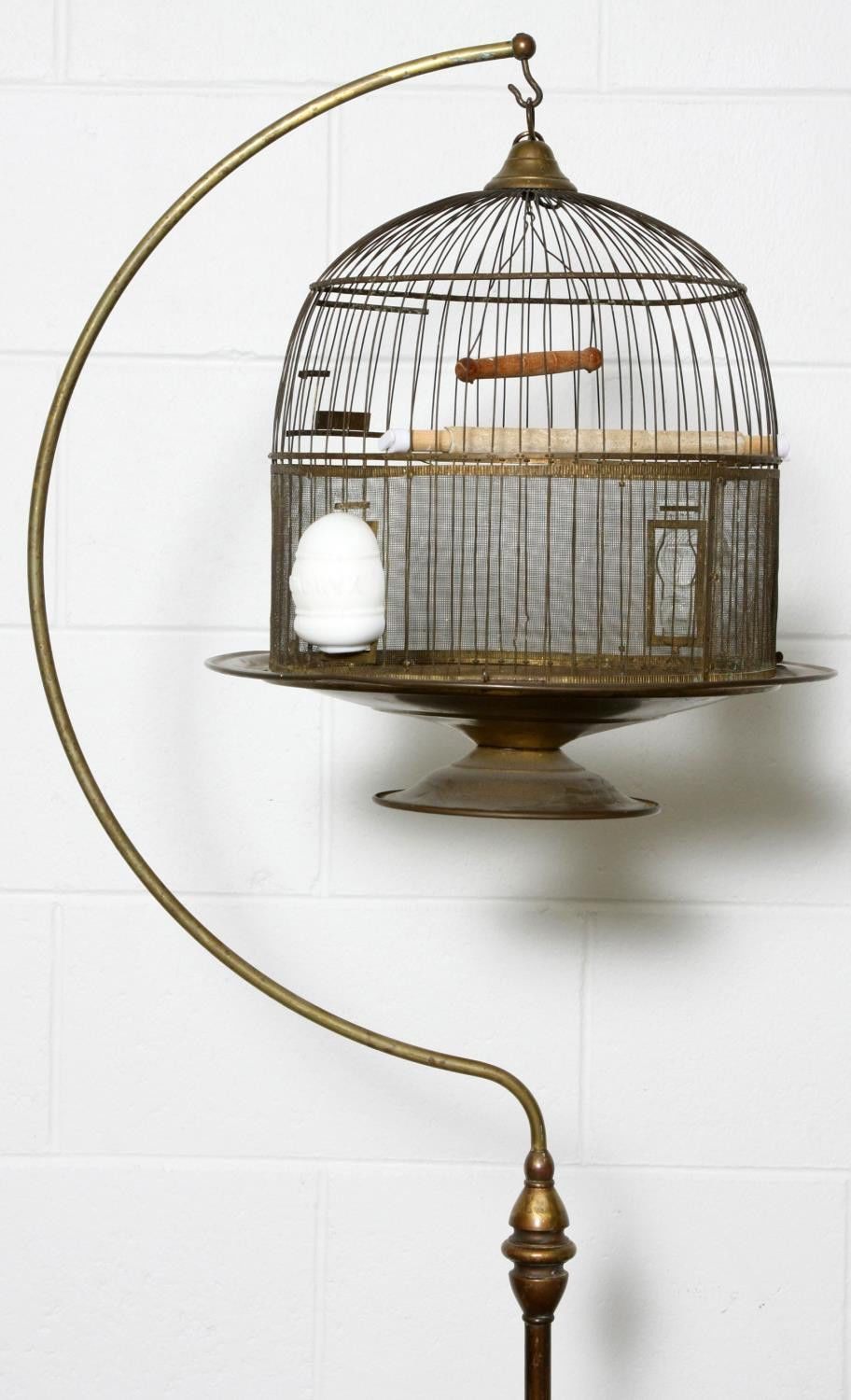 antique hendryx bird cage amp stand ebay bird cages bird cage stand bird cage cage. Black Bedroom Furniture Sets. Home Design Ideas