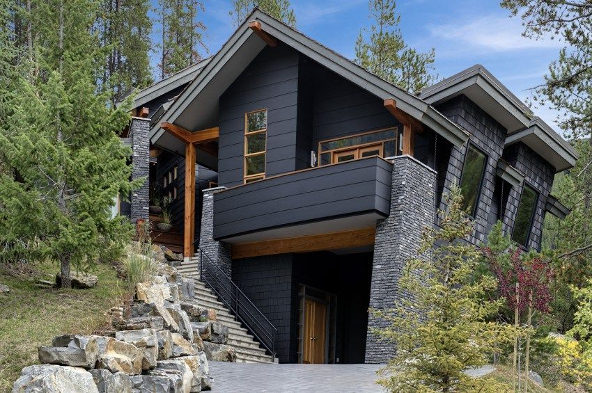15 Modern Rustic Homes With Black Exteriors