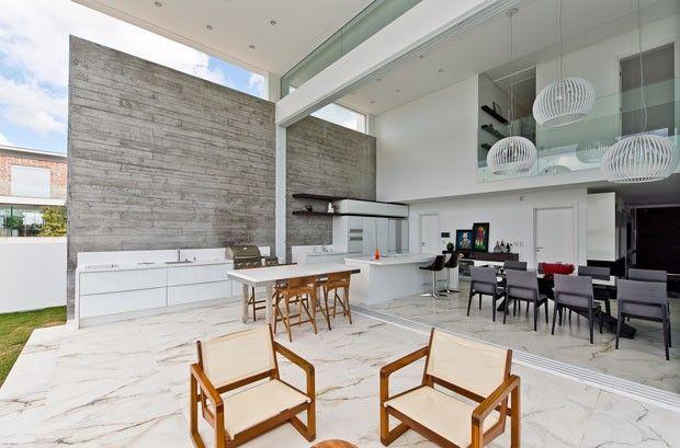 Casa Minimalista Elimina Parede Entre Sala E Piscina House