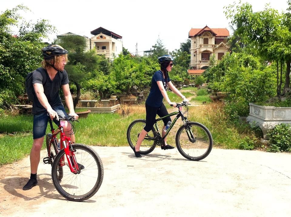 Discover Viet Nam countryside on bicycle