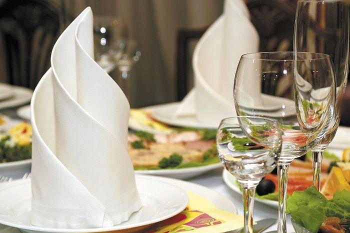 Perfekt Servietten Falten Hochzeit   40 Ideen Für Einen Schön Dekorierten Tisch