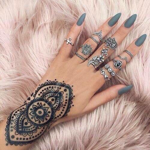 Pin von Miri kras auf Henna & Tattoo | Mandel nägel