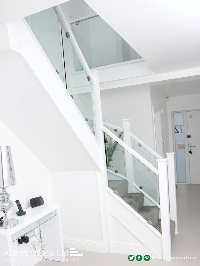 Best Dazzling White Staircase With Clamped Glass Glass 640 x 480
