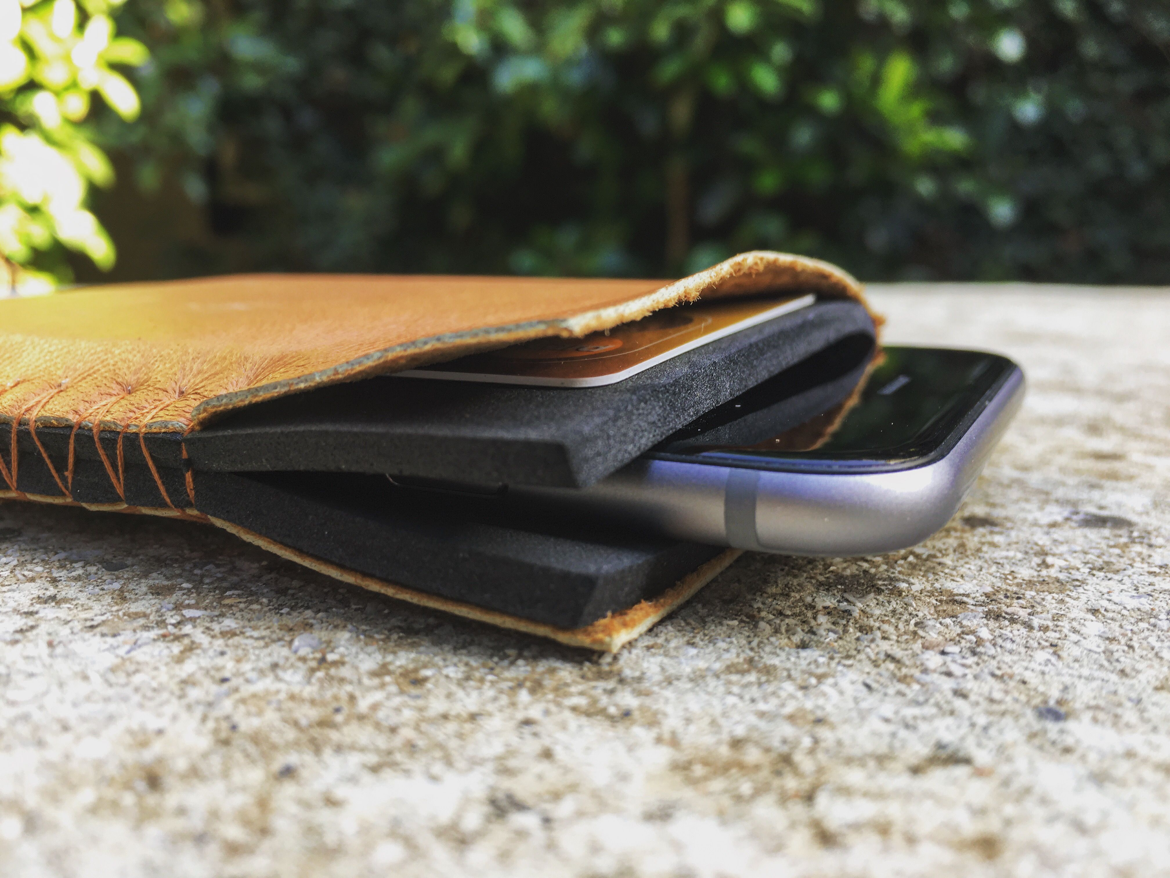 sleeve for iPhone 6/7   www.thisisit.me   #napa #leather #rubberfoam #wateresistand #materials #mensfashion #design #mensaccessories #thisisit #thisisitdaily #thisisitgram #