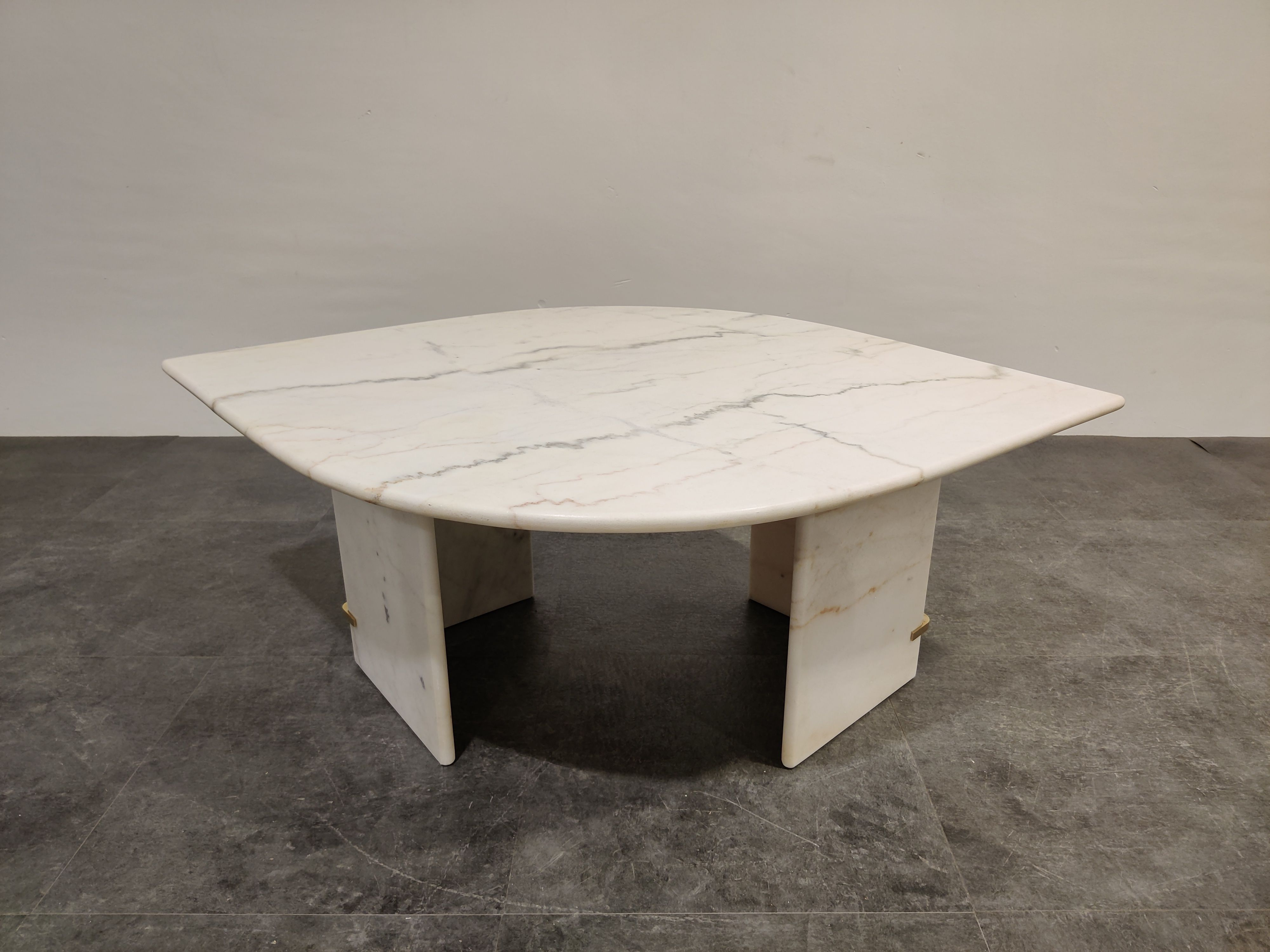 Vintage White Marble Coffee Table 1970s In 2020 Coffee Table Retro Coffee Tables Vintage Bedside Table