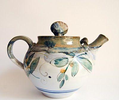 """Studio Pottery Australia - Unknown maker - """"V"""""""