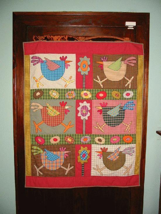 Chicken Quilts Folk Art Chicken Quilt Patchwork Pinterest Cool Chicken Quilt Pattern