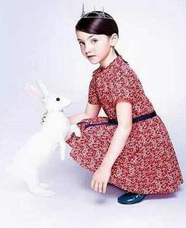 مكياج فساتين أطفال فرنسية Kids Lookbook Little Girl Fashion Kidswear Trends