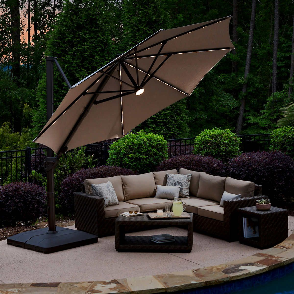 11' LED Solar Round Cantilever Umbrella