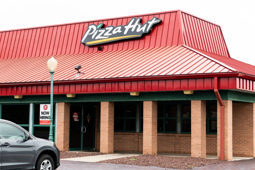 Pizza Hut to Shut Down Over 500 DineIn Locations Across