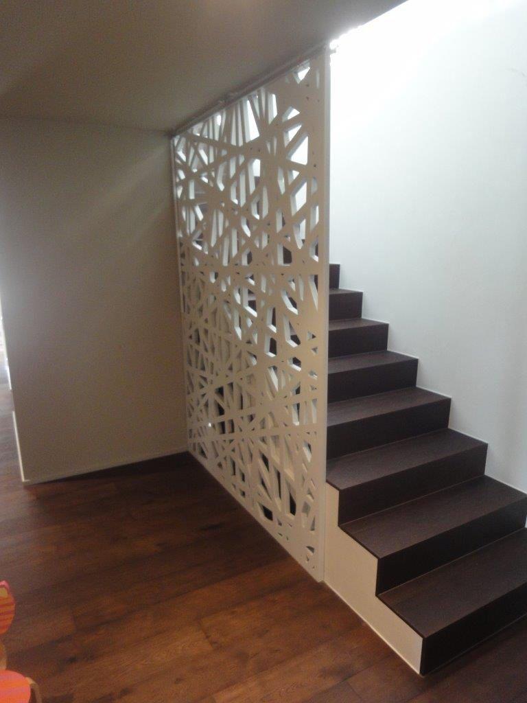 Barandilla de interior de madera con paneles para escalera single familiy house - Barandillas de madera para interior ...
