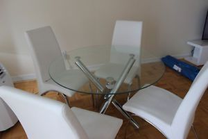 Round Glass Dinning Table And 4 White Chairs For Sale City Of Toronto GTA