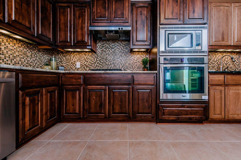 Revestimientos para las paredes de las cocinas cocinas for Revestimiento pared cocina