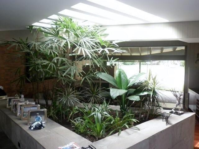 Jardinera interior jardineras jardineras jardines y - Jardineras de diseno ...