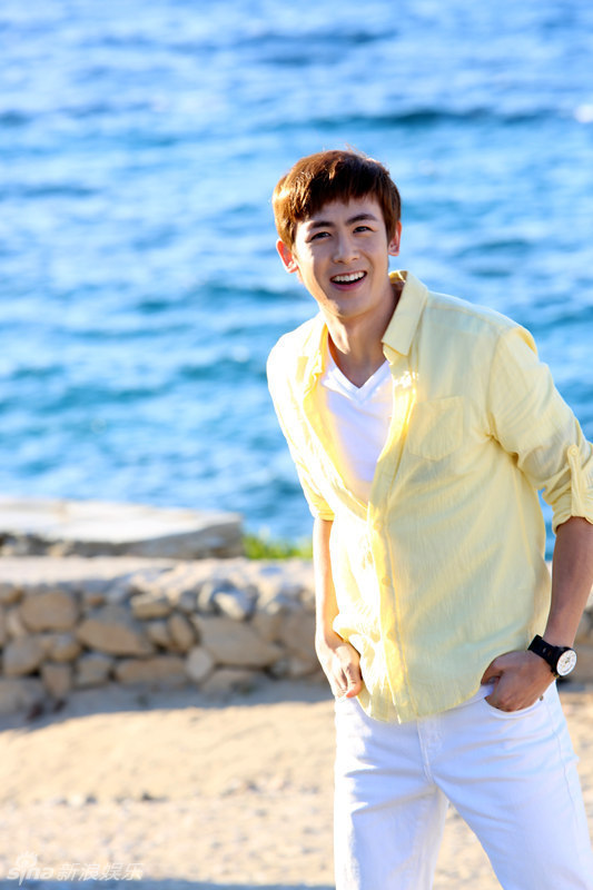 Photos Of 2pm S Nichkhun With Other Cast Members Of One And A Half Summer It Cast Handsome Men Beautiful Voice