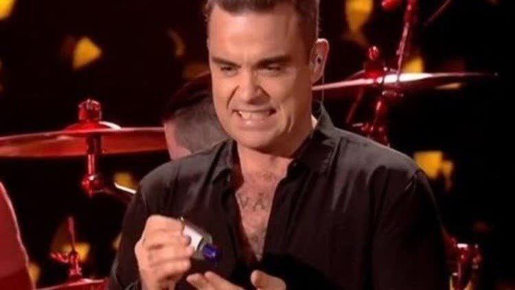 Robbie Williams Es Tendencia Porque El Cantante Uso Gel