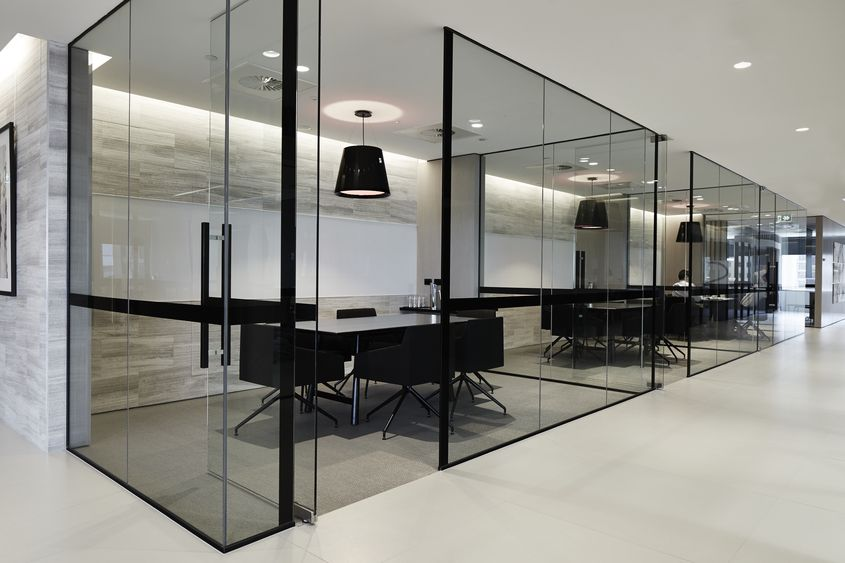Glassed in meeting rooms what 39 re some of the pros and for Modern corporate office design